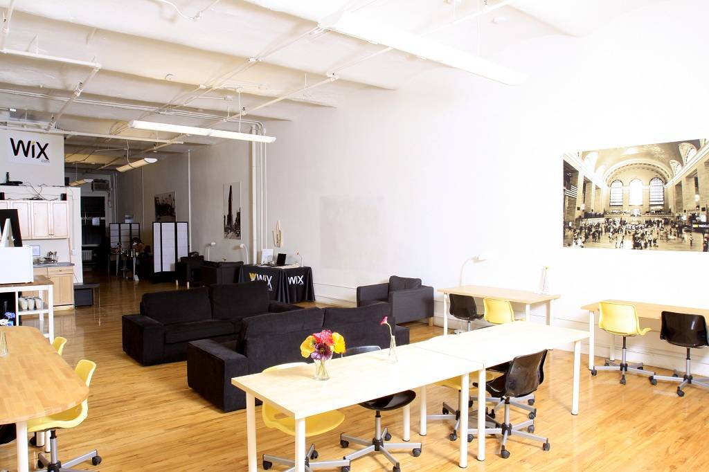 Free shared work space in New York