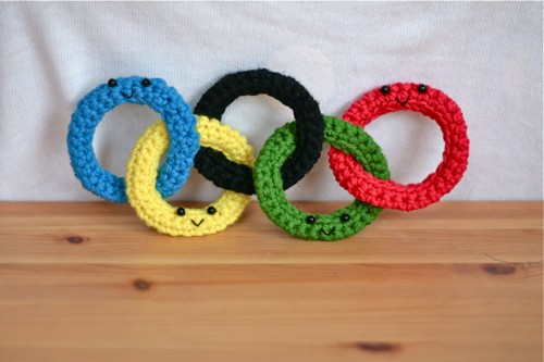 The Olympic Rings Recreated with knitting