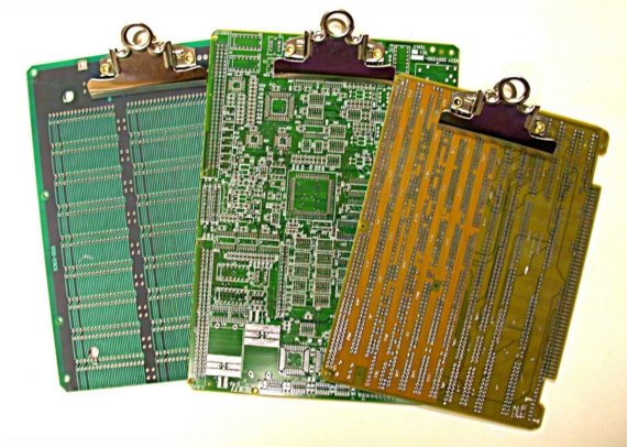 Recycled Circuit-Clipboards