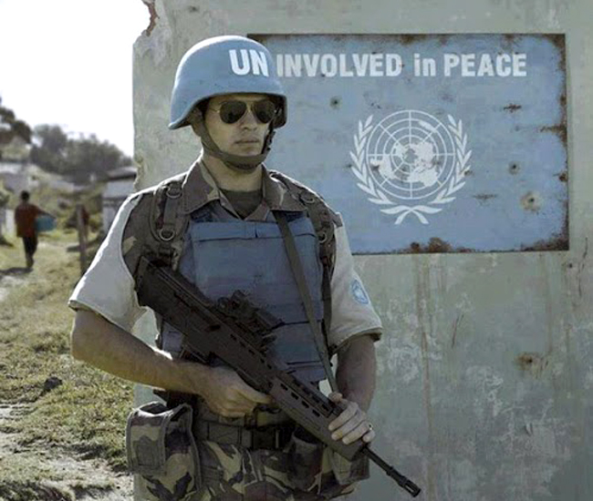 perfectly timed photos UN soldier
