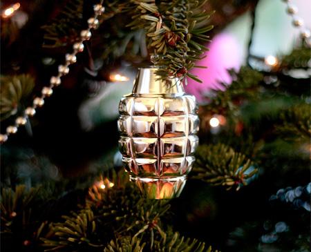 Explosive-Christmas-jewelry