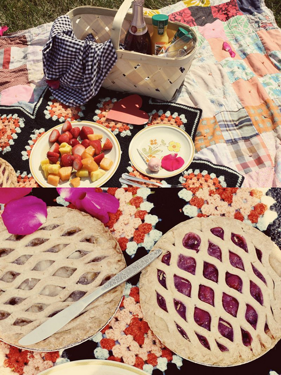 picnic pie and fruits