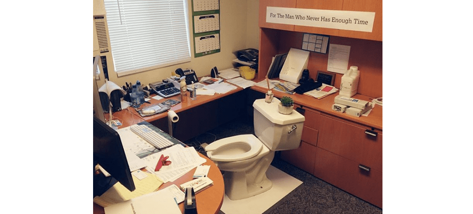 Hilarious Office Pranks You Have To Try - 19 best office desk pranks youve ever seen