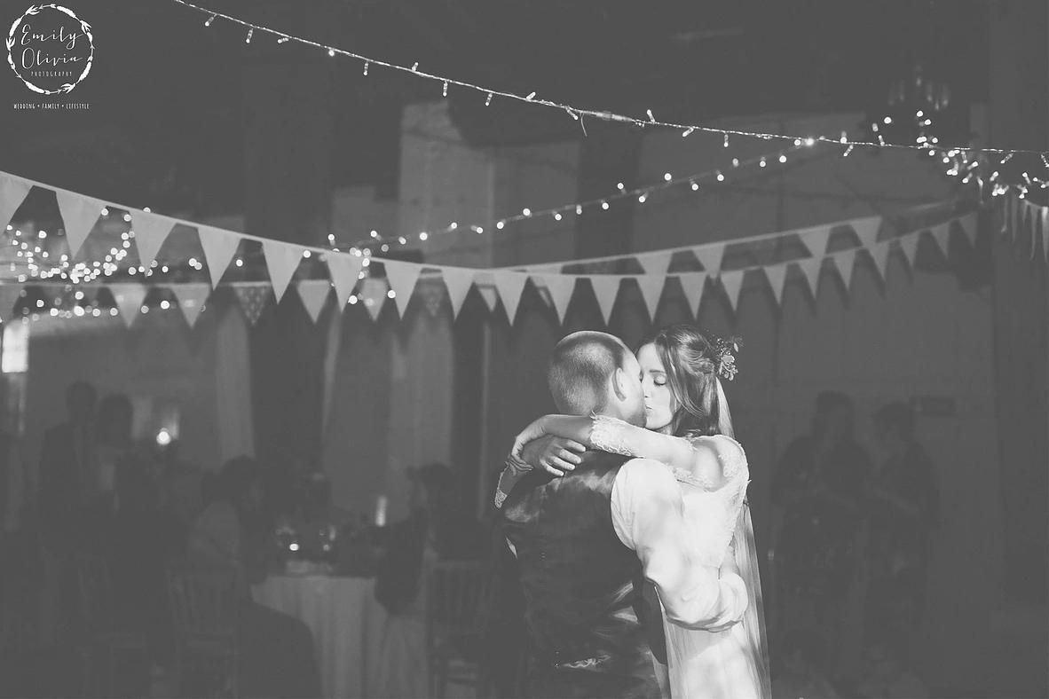 Emily Olivia Wix Wedding Photographer