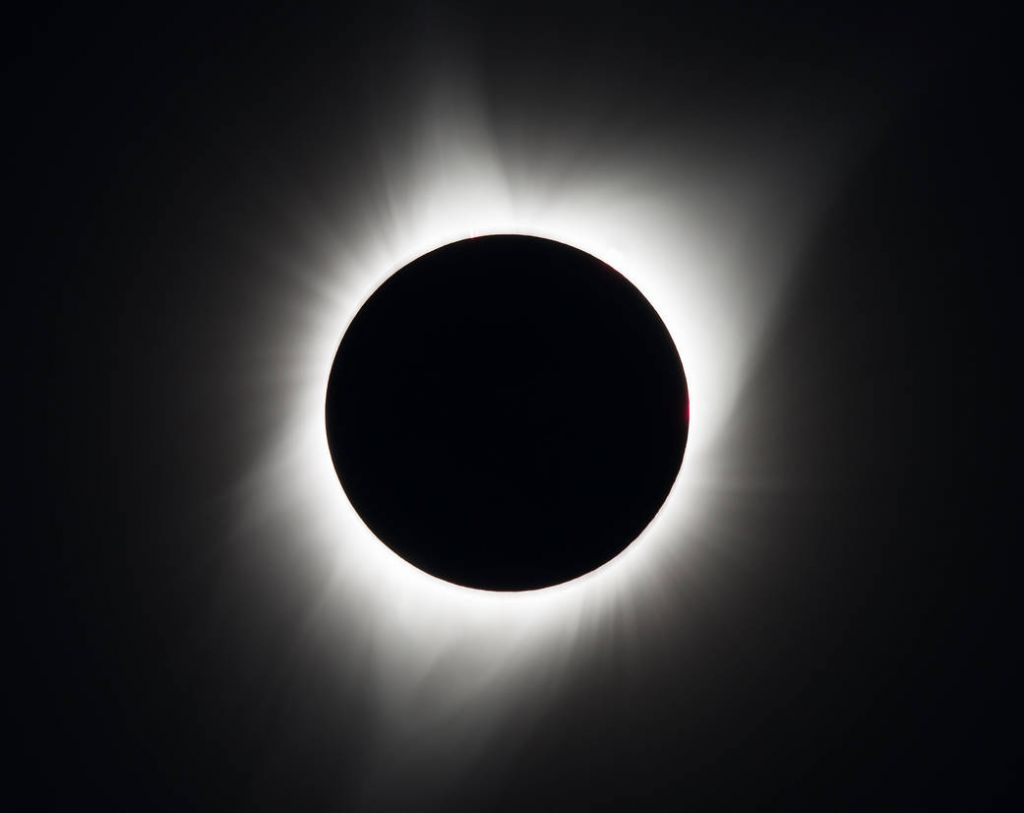 Total solar eclipse, NASA/Aubrey Gemignani
