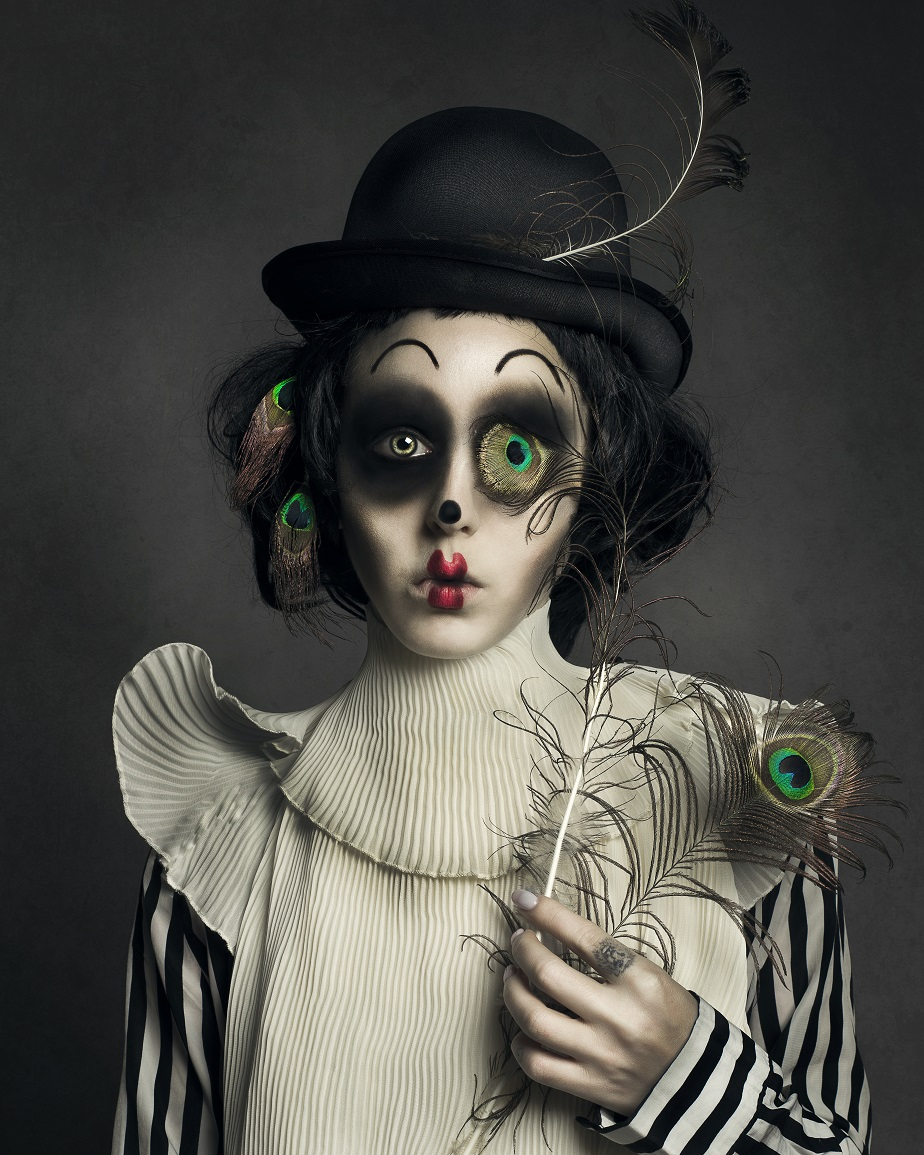 self-portrait of sad clown by Wix photographer Juliette Jourdain