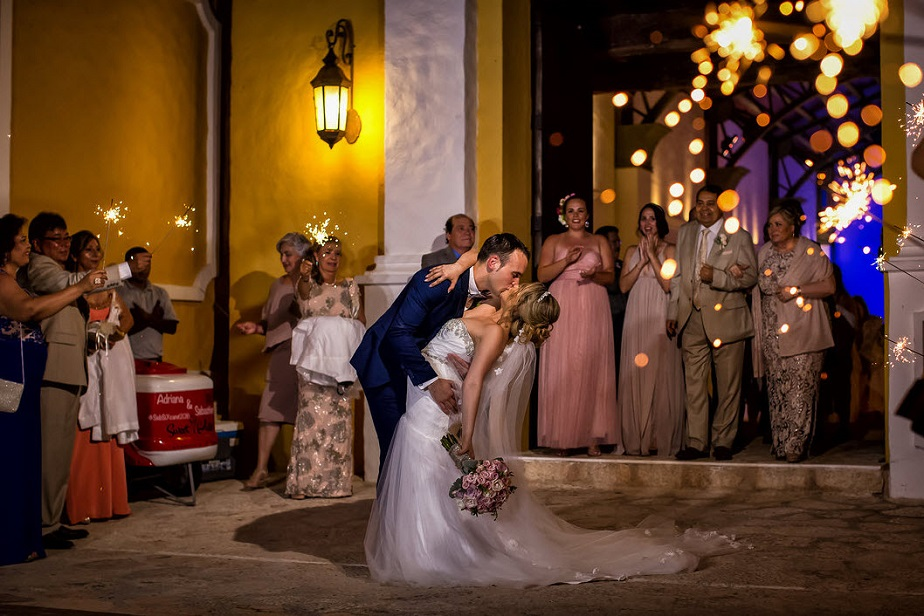 Beautiful wedding kiss by Wix Photographer Alan Fresnel