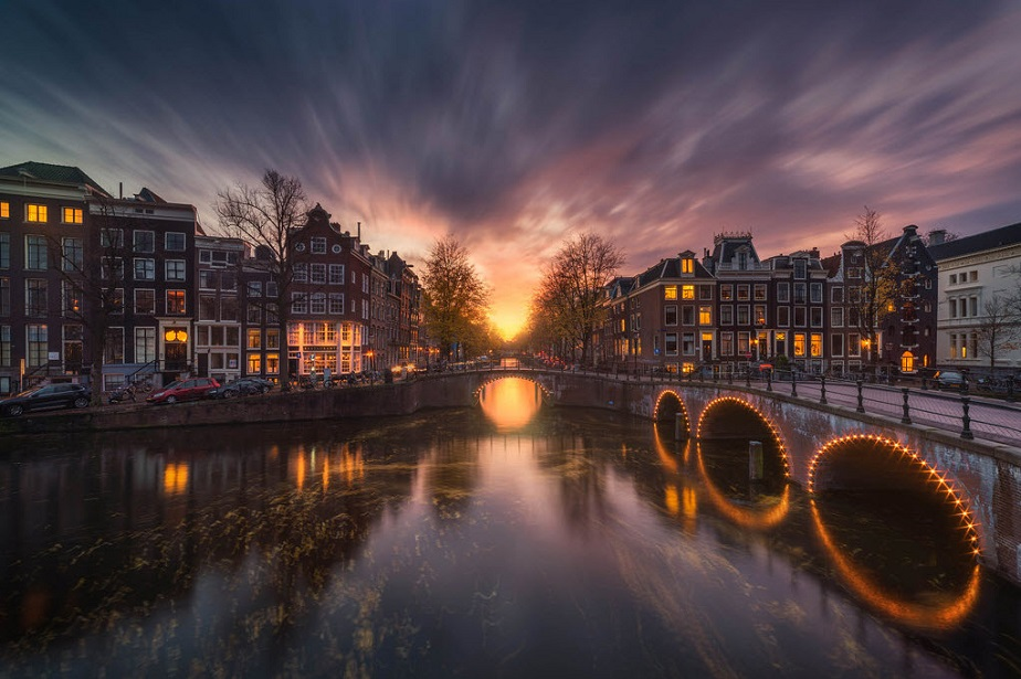 Beautiful picture of Amsterdam canals by Wix landscape photographer Albert Dros