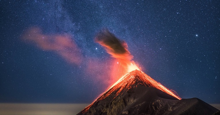 How I Photographed an Erupting Volcano Under the Milky Way