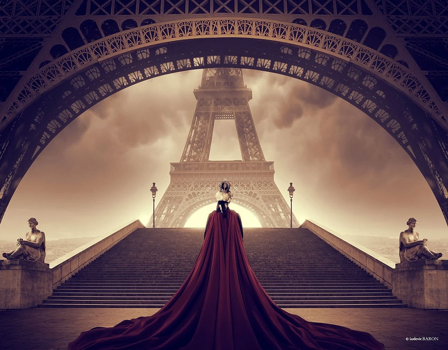 King Facing the Eiffel Tower by Wix Photographer Ludovic Baron