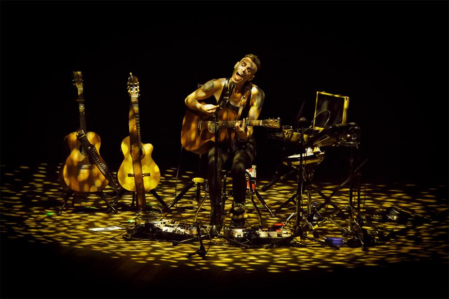 Asaf Avidan at concert