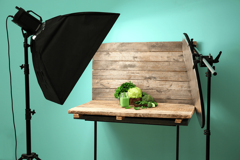 photo studio setup with flash and reflector